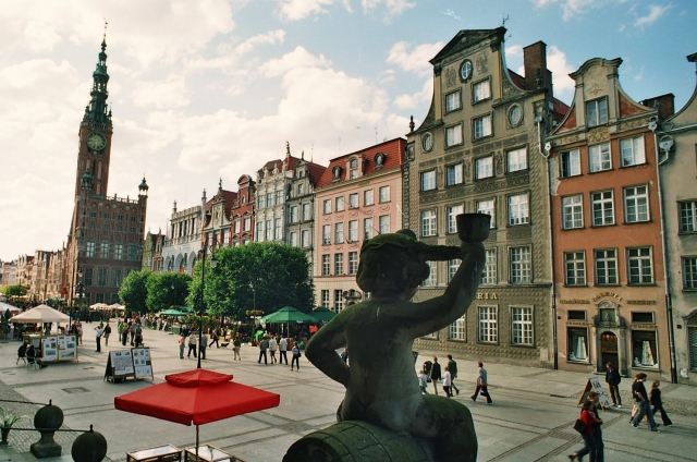 Gdansk, Langs Kongeveien. Reiser med en veteransporvogn. Gdansk reise – Hit The Road Travel