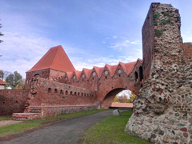Ridderborgenes ruiner i Torun. Bussturer – Hit The Road Travel