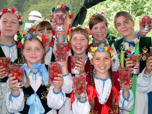 Jordbærdag i Kasjubien. Sykkelturer – Hit The Road Travel