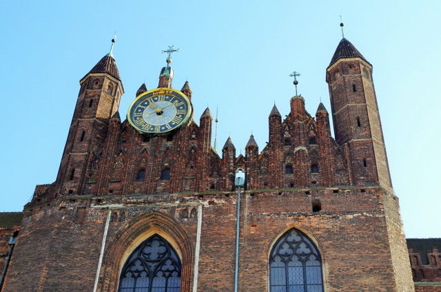 Gdansk, Mariakirken. Reiser med en veteransporvogn. Gdansk reise – Hit The Road Travel