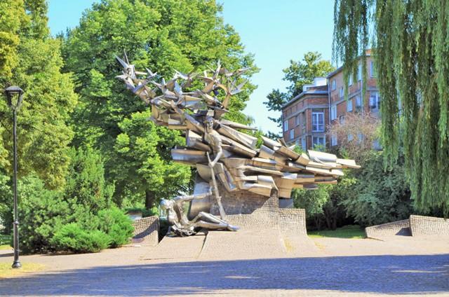 Monumentet av Det Polske Postkontoret i Fristaden Danzig. Polenreisen – Hit The Road Travel
