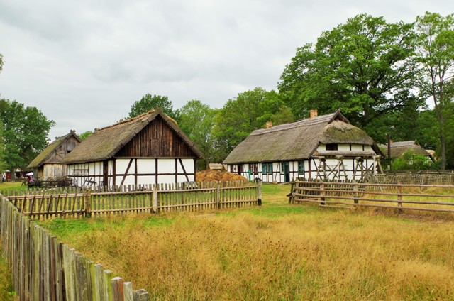 Friluftsmuseet i Kluki, Polen. Naturreisen til Polen – Hit The Road Travel