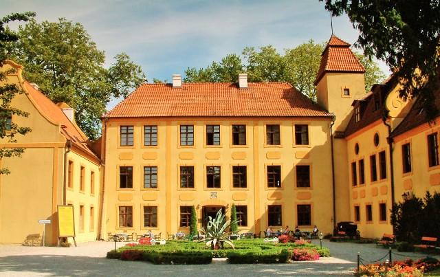 Slottet i Krokowa, Polen. Bussreiser til Polen – Hit The Road Travel