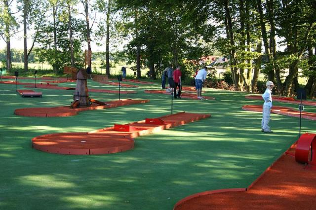 Minigolfbane. Golf i Polen – Hit The Road Travel