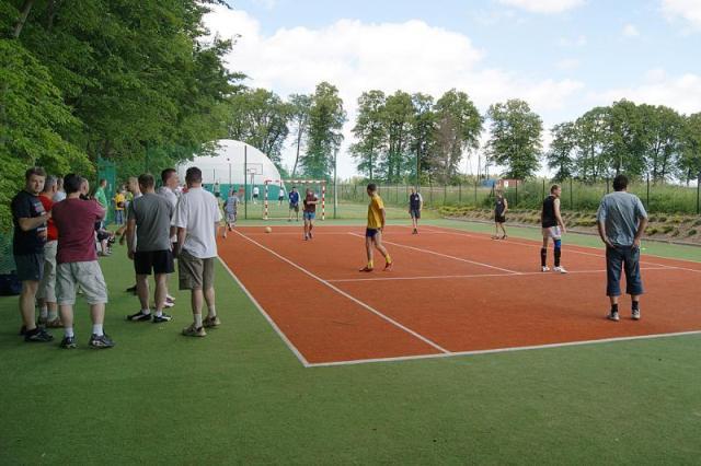 Utendørs tennisbane