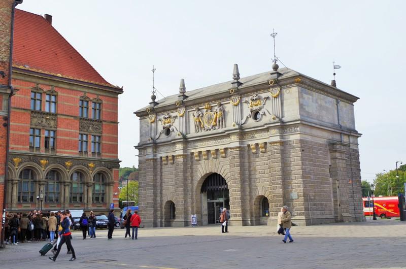 Høylandsporten i Gdansk. Historisk reise til Polen. Pakkereiser til Gdansk – Hit The Road Travel
