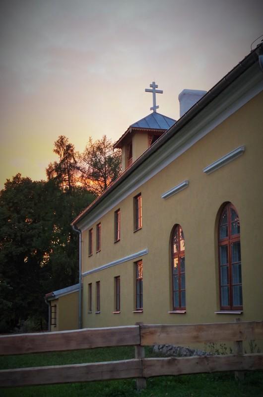 Den ortodokse gammelrituelle kirke i Wojnowo. Bussturer til Polen – Hit The Road Travel