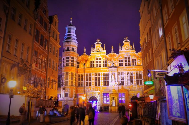 Det store Våpenhuset i Gdansk. Historisk reise til Polen. Pakkereiser til Gdansk – Hit The Road Travel