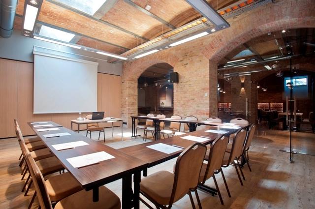Konferanslokal i Gdansk. Konferanser og firmaturer – Hit The Road Travel
