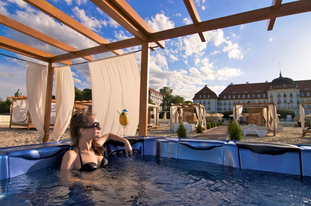 Hotellet og stranden i Sopot. Konferanser og firmaturer – Hit The Road Travel