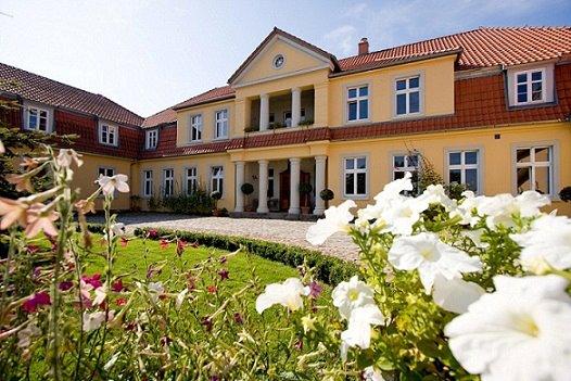 Slottet Tre Eiker i Prusewo, Polen. Bussreiser til Polen – Hit The Road Travel