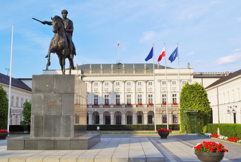 Presidentpalasset ved Krakowskie Przedmiesciegaten i Warszawa. Reise til Warszawa – Hit The Road Travel