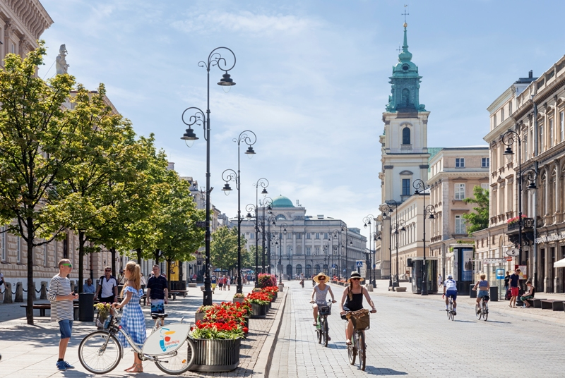 Krakowskie Przedmiesciegaten. Reise til Warszawa – Hit The Road Travel