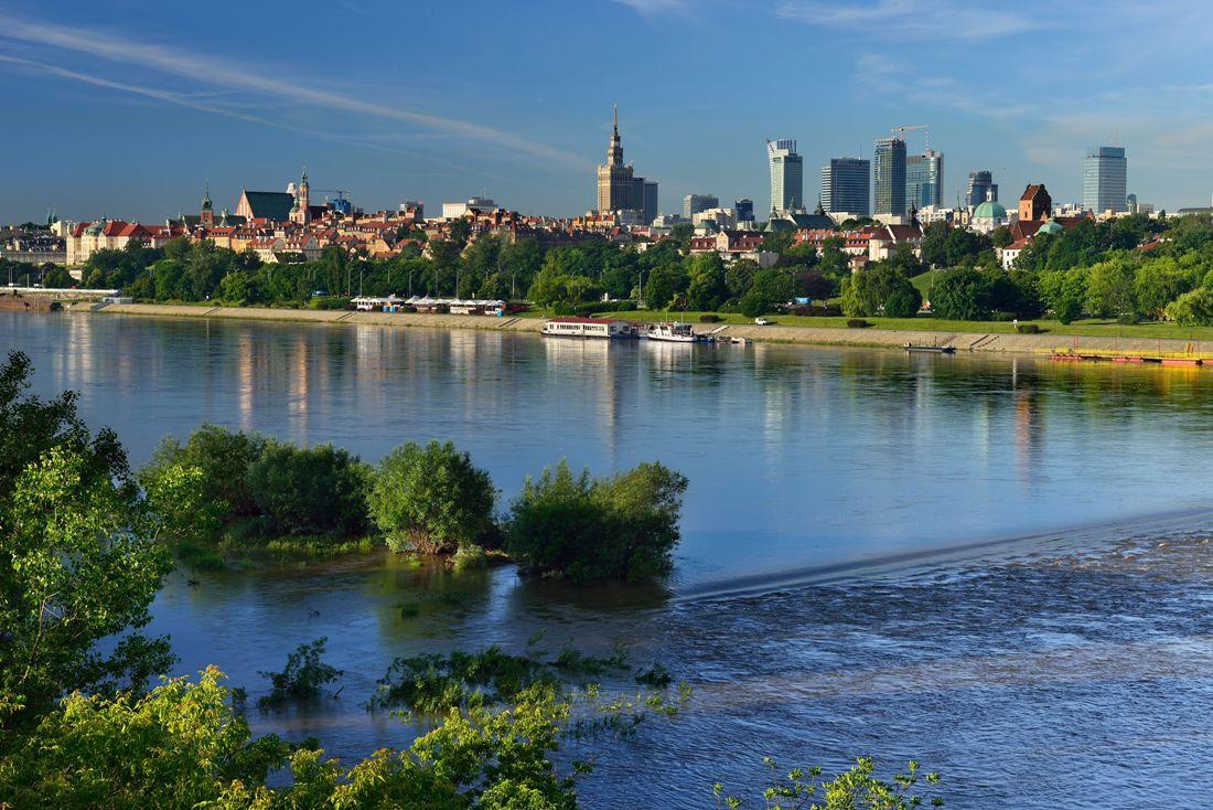 Warszawa sett fra elven. Reise til Warszawa – Hit The Road Travel