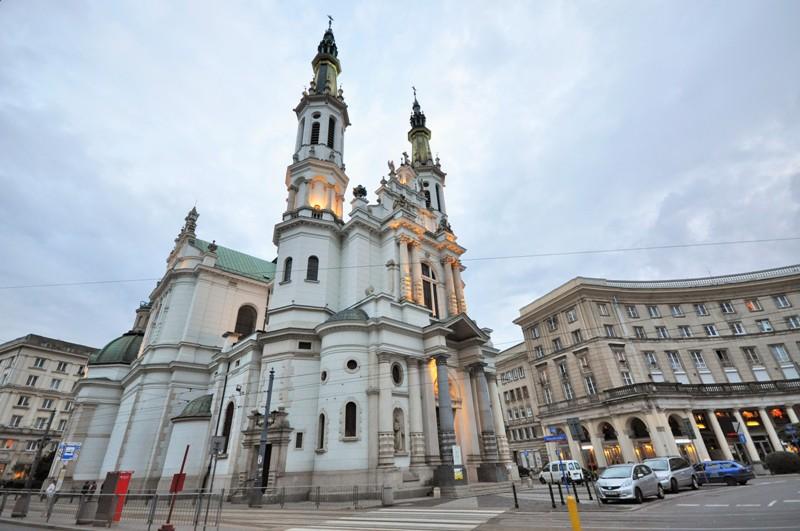 Zbawicielatorget i Warszawa. Reise til Warszawa - Hit The Road Travel