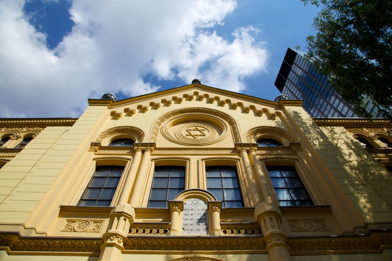 Familien Norzyks synagoge i Warszawa. Reise til Warszawa – Hit The Road Travel